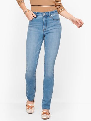 Straight Leg Jeans - Curvy Fit - Fillmore Wash