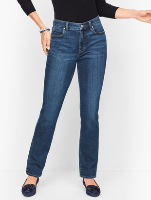 Straight Leg Jeans - Curvy Fit - Park Wash