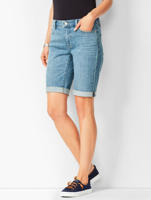 Girlfriend Jean Shorts - Blue Moon Wash