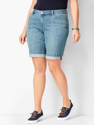 Girlfriend Jean Shorts - Blue Moon Wash