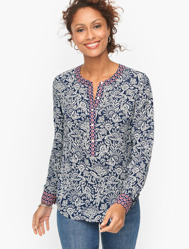 Band Collar Popover - Tossed Flowers