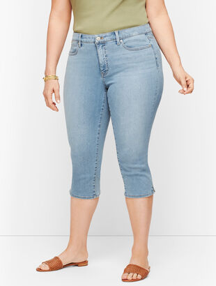 Plus Size Exclusive Pedal Pusher Jeans - Sunnyside Wash