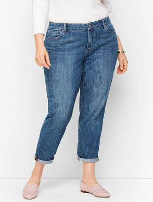 Girlfriend Jeans - Curvy Fit - Genuine Medium Wash