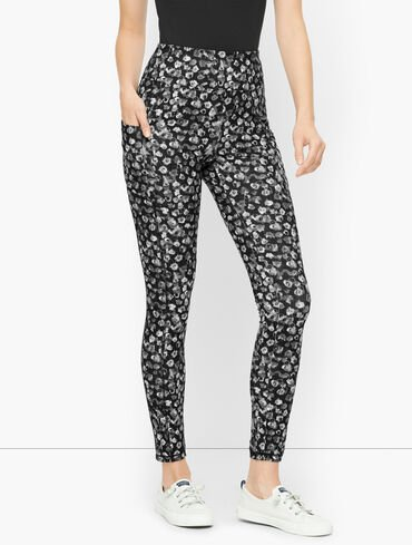 On The Move Leggings - Blurred Floral