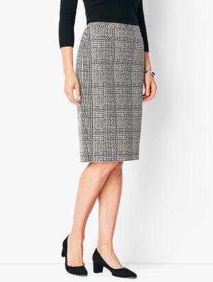 Textured Ponte Houndstooth Pencil Skirt