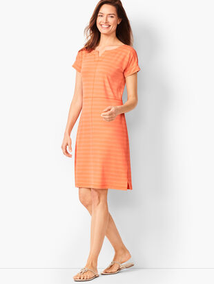 333703272c4739 Textured Terry Dress