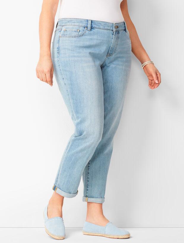 Girlfriend Jeans - Nebula Wash