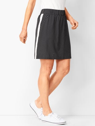 Lightweight Stretch Dot Woven Skort