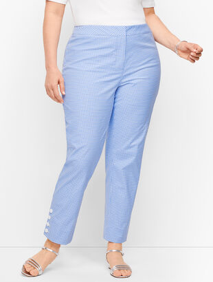 Plus Size Exclusive Gingham Slim Ankle Pants