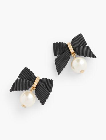 Polished Pearls Earrings