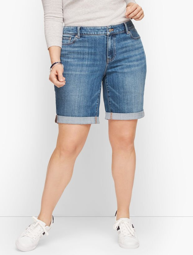 Girlfriend Denim Shorts - Ryder Wash