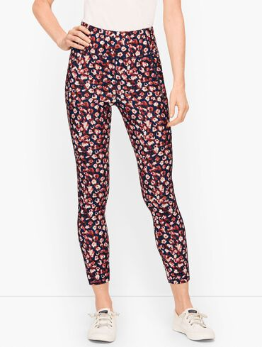 On the Move Floral Leggings